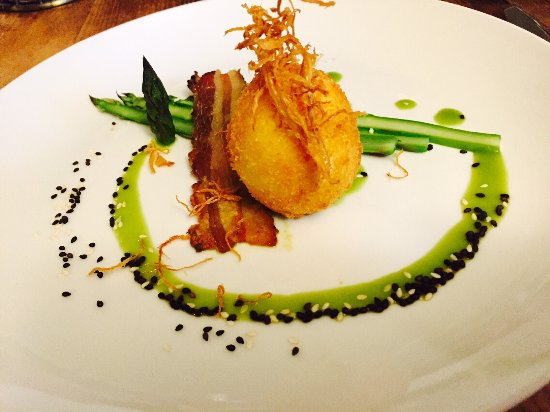 Inn at Weathersfield: Soft cooked and crispy egg with asparagus, tesa, ginger & sesame