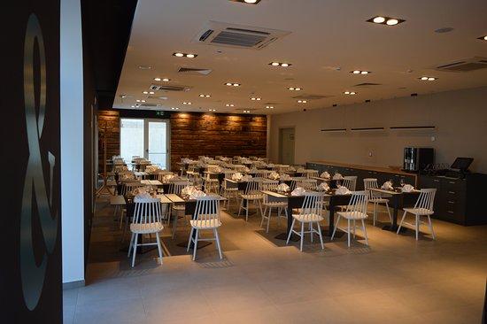 Kastel Luksic, Croatia: Inside restaurant.