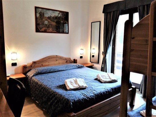 camera quadrupla con letto a castello - Foto di Albergo Al Maniero ...