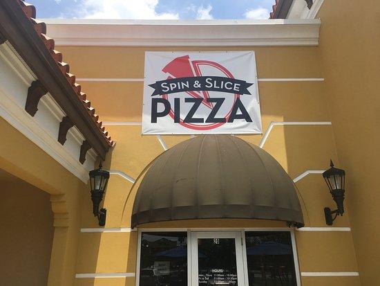Oldsmar, FL: Spin & Slice Pizza