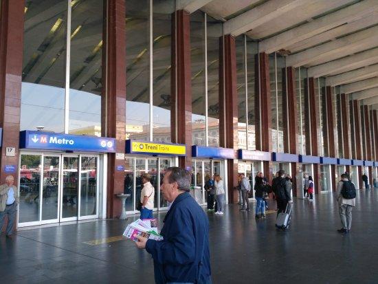 Stazione termini picture of stazione termini rome for Affitto ufficio roma stazione termini
