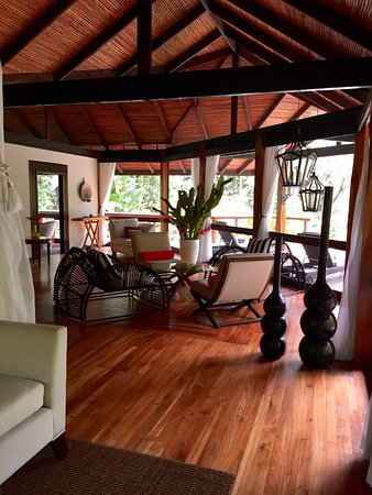 Pacuare Lodge: From one end of the room