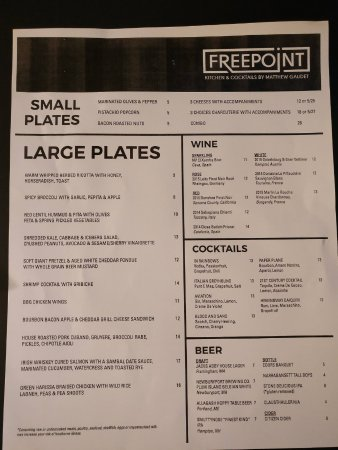 Freepoint Hotel: Paper menus from reception, nothing in room.