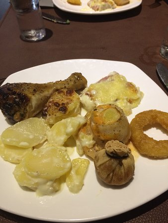 Fleurus, بلجيكا: Une infime partie des buffets présentés