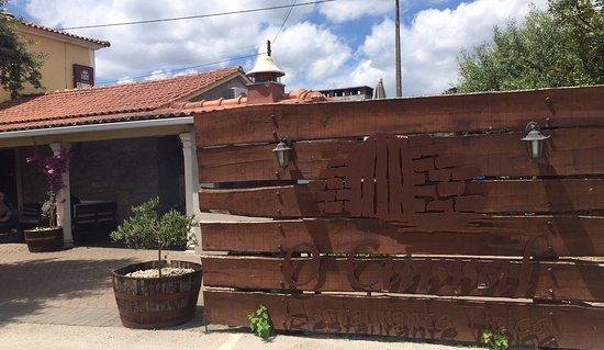 Ourem, Portugal: fachada e pátio interno