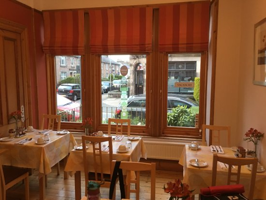 Rossmount Guest House: Breakfast room