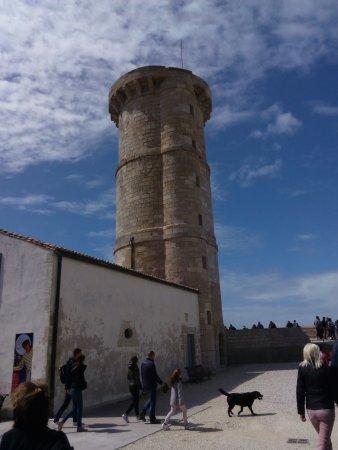Saint Clement des Baleines, Francia: la nouvelle tour a côté du phare 30m de haut