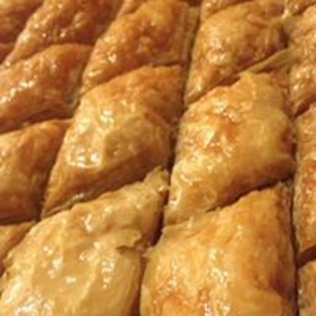 Bedoian's Bakery & Bistro : Baklava fresh out of the oven
