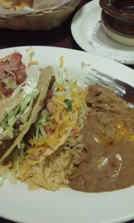 San Antonio Bar and Grill: beef tacos