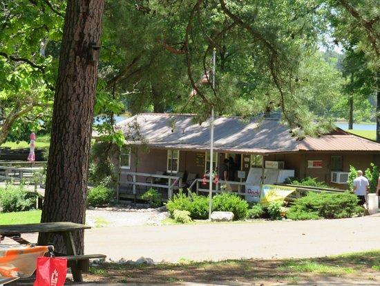 Collierville, TN: Bait shop at Herb Parsons Lake