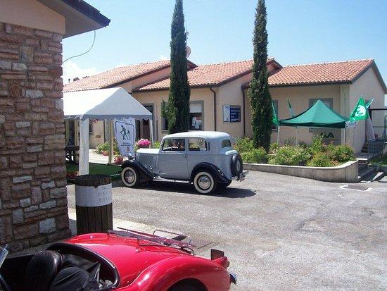 Sigillo, Italia: parcheggio