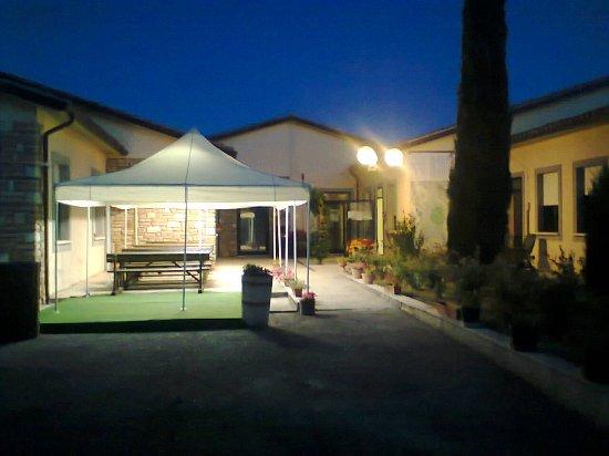 Sigillo, Italia: la sera