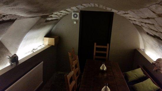 Hombourg, Belgien: Coin cave très cocoon