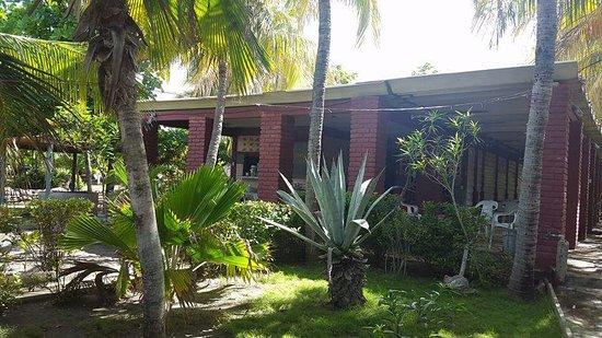 El Transito, Nikaragua: Jardines del Hostal Poza Perla