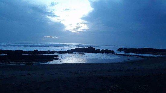 El Transito, Nicaragua: Vista Nocturna de Poza Perla