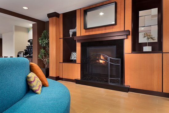 Fireplace of Fairfield Inn & Suites Minneapolis Bloomington/Mall ...