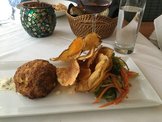 Towson, MD: Crab cake and homemade chips
