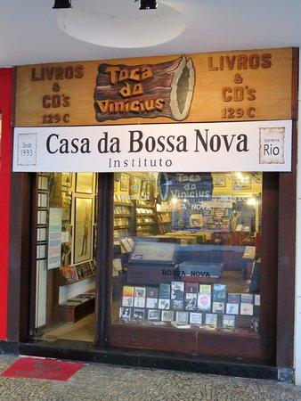 Livraria de Musica Toca do Vinicius: Livraria Toca do Vinicius - Ipanema, Rio (10/May/17).