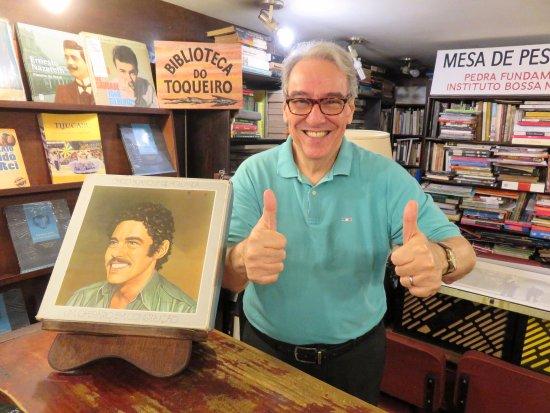 Livraria de Musica Toca do Vinicius: The wonderful Carlos Alberto Afonso - Toca do Vinicius (10/May/17).