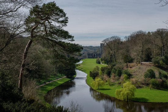Fountains Abbey and Studley Royal Water Garden: Fountains Abbey