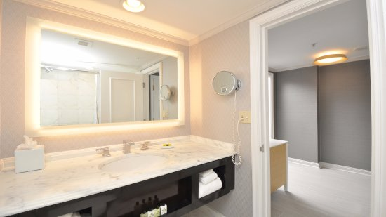 Bathroom Vanity Kansas City bathroom vanity - picture of intercontinental kansas city at the