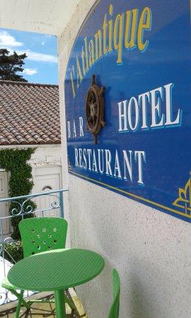 Hotel de L'Atlantique : Charmant petit balcon sur chambre en facade