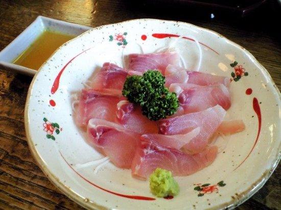 Kazo, Jepang: 鯉のあらいも臭みがなく美味しいです。
