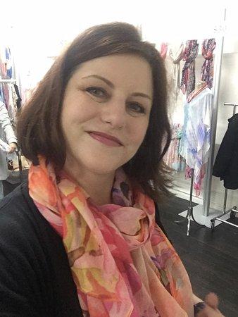 Shop Gotham NYC Shopping Tours : Found a pretty scarf!