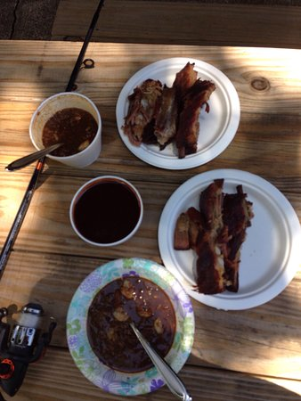 Cleveland, TX: YUM Half a slab of ribs  A bowl of Gumbo A cup of BBQ Sauce  OUTSTANDING