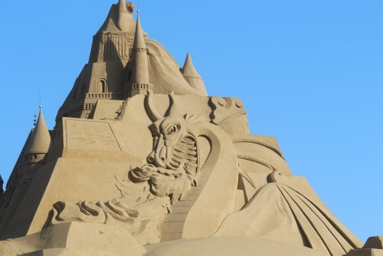 Zhoushan, Kina: Sand sculptures looked great- we went just after G20