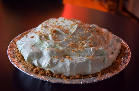 Key Lime Pie in Gingersnap Crust - Picture of Kamee's Desserts ...