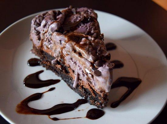 Ligonier, PA: Black Raspberry Ice Cream Brownie Pie