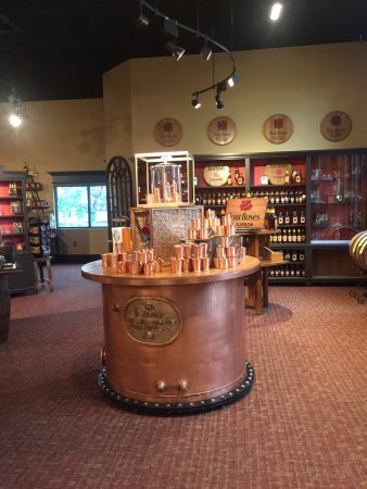 Coxs Creek, KY: In Four Roses Heaven