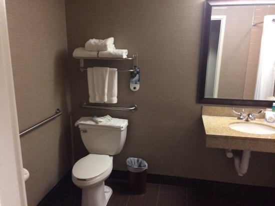 Holiday Inn Express & Suites: 1st floor king suite. Pet friendly 🐶 and handicap accessible 👏