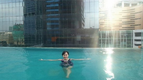 Sky Swimming Pool Picture Of Manhattan Hotel Jakarta Tripadvisor