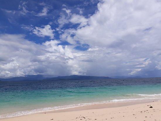 Tambrauw, Indonesien: View Pantai Pulau Amsterdam