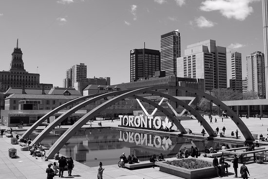 Nathan Phillips Square: Nathan Phillips Squre