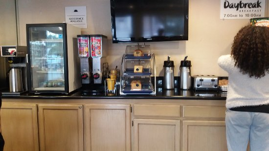 Downey, CA: Breakfast lounge