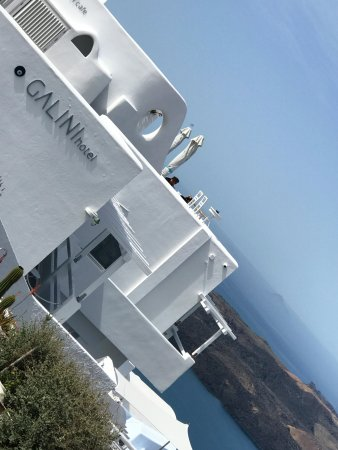 Hotel Galini: Picture of Hotel from main path