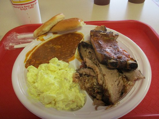 Marion, AR : Combo plate with beans and potato salad