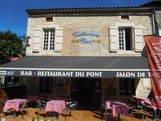 Castelfranc, Francia: Such a pretty looking restaurant.