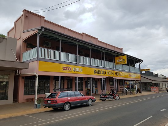 Blackall, Australien: A night at The Barcoo Hotel