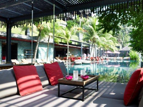 Chapung SeBali Resort and Spa: Jungle Fish infinity pool - hanging bed