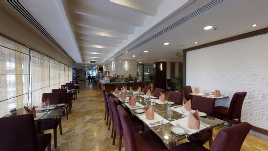 Wyndham Grand Regency Doha: Grand Gourmet International Restaurant
