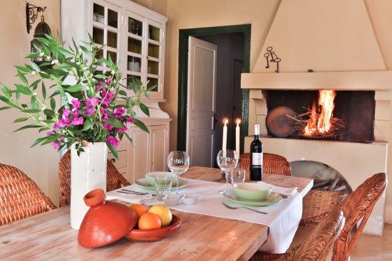 Table d 39 h te l 39 ext rieur au jardin picture of les for Les jardins de villa maroc essaouira