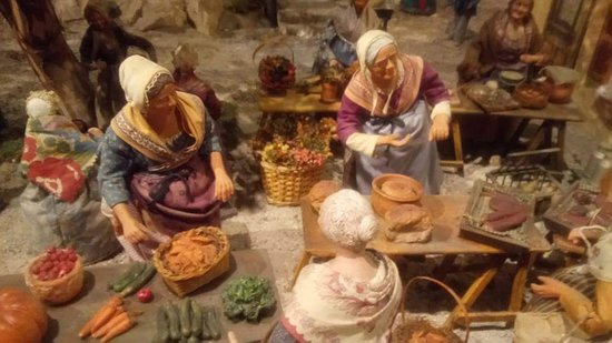 Paradou, Fransa: Le marché