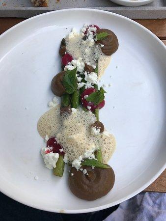 Grüner Spargel, Schafskäse & ? - Bild von Einzimmer Küche Bar ...