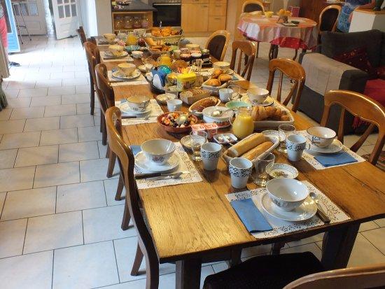 Crancey, France : salon petit déjeuner