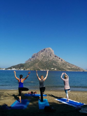 Villeneuve-les-Avignon, Prancis: Beeyogi morning yoga