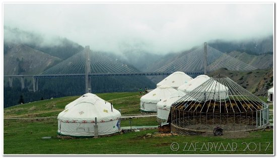 Huocheng County, Kina: Kazakh yurts along Old road